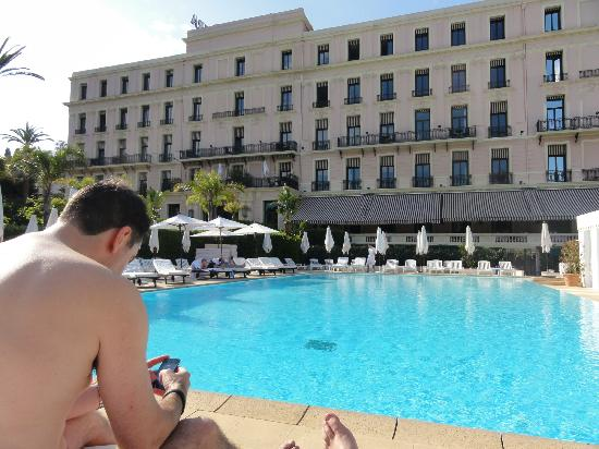 Hotel Royal-Riviera : View from pool across to rear of hotel