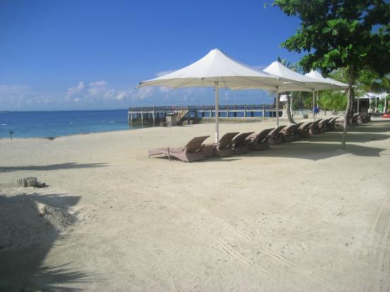 JPark Island Resort & Waterpark, Cebu : Beach