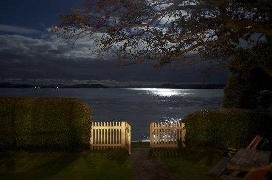 Connells Bay Guest Cottage: View from the balcony at night