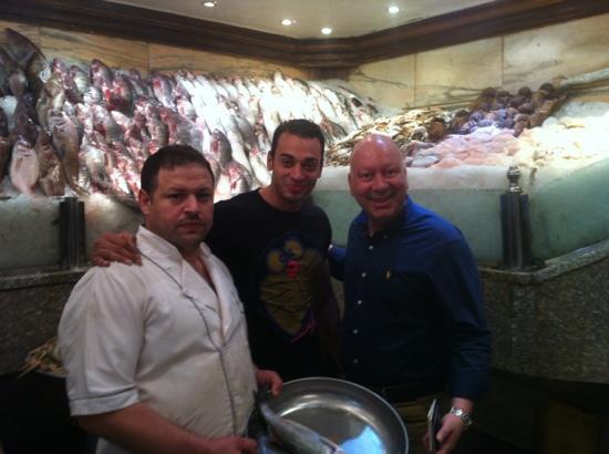 Kadoura Fish Restaurant: questo ristorante, Mai recensito in questo sito, e' il mgliore Di tutti l'egitto. Mai mangiato p