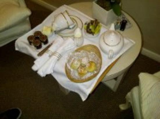 The Beaufort Hotel: cream Tea served in my room