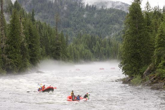 Lochsa River Rafting - ROW: Rainy and Foggy Fun