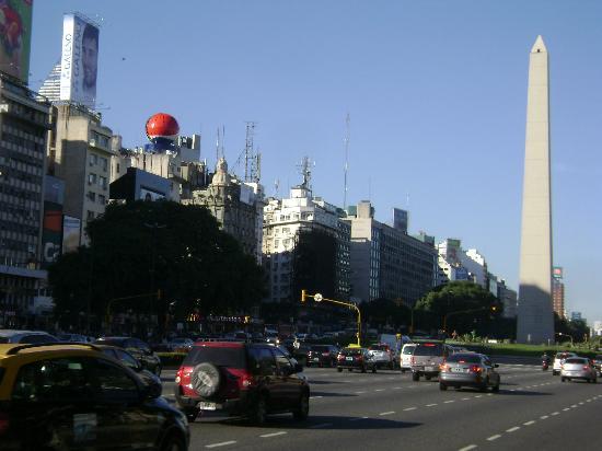 Waldorf Hotel: O famoso monumento Obelisco,simbolo de Bs.As.