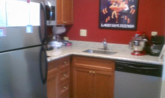 Residence Inn Saddle River : Updated kitchen