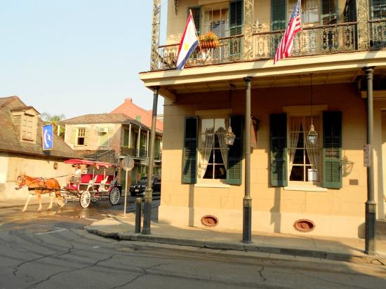 Lafitte Guest House: hotel front
