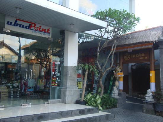 Inata Hotel Monkey Forest: INATA Hotel: Entrance beside UBUD POINT Shopping  Centre