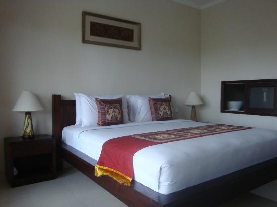 Inata Hotel  Deluxe Room On Upper Floor