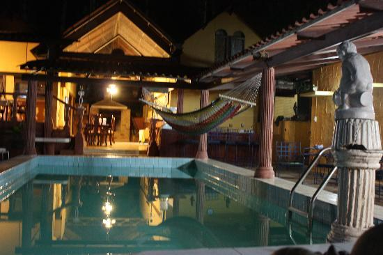 Cerro Azul, ปานามา: pool and dining area