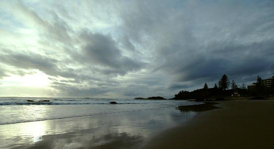 Mercure Centro Port Macquarie: 7am on the beach less then 5 minutes away from the hotel .... just beautiful