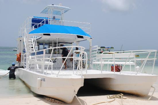IFA Villas Bavaro Resort & Spa: party boat