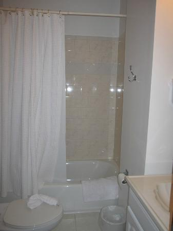 American Guest House: bathroom