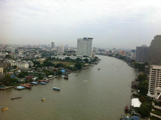 Shangri-La Hotel, Bangkok: View from room on 24th floor