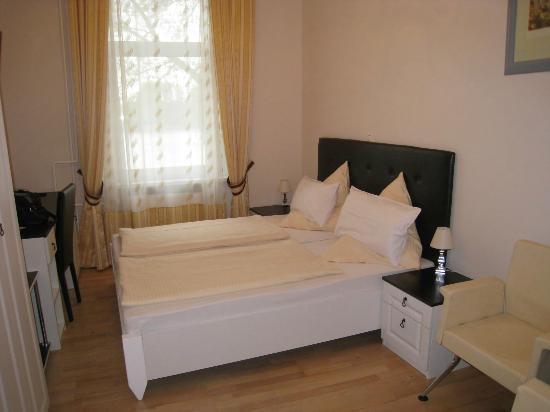 Residenz Rheinblick: Our room