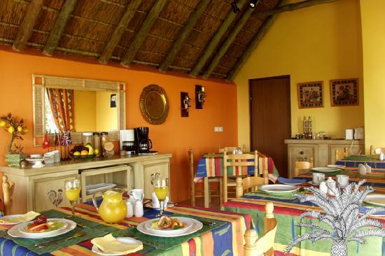 Cycads on Sea Guesthouse: Enjoy a hearty breakfast