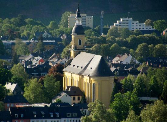 St. Paulin-Kirche: close by