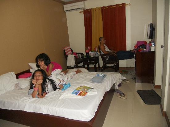 Rumi Apartelle Hotel: Standard room w/o veranda