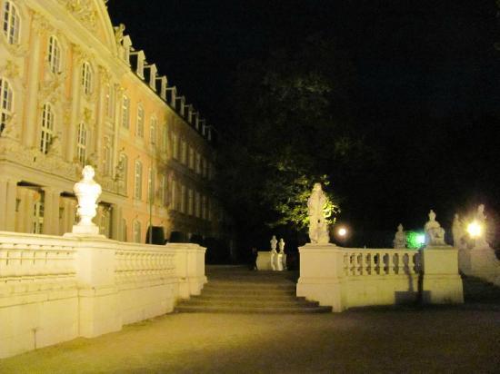 Kurfürstliches Palais: entrance