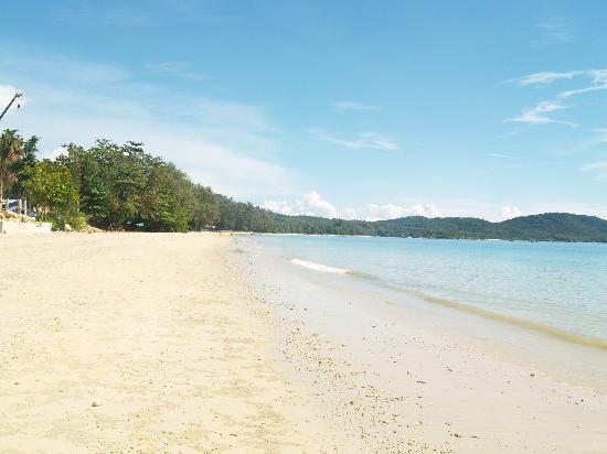 Beyond Resort Khaolak: Beach