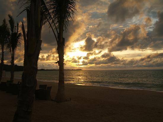 Beyond Resort Khaolak: Sunset