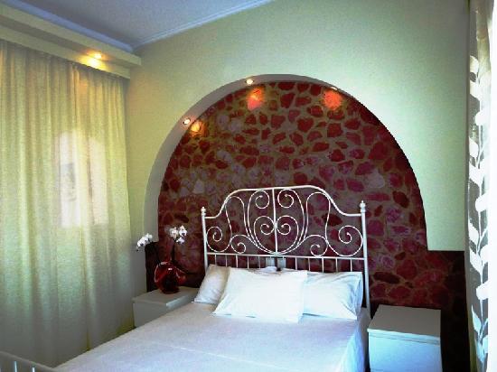 Atalos Suites: room