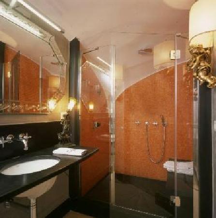 Esempio bagno privato picture of casa bormioli procida - Camping bagno privato ...