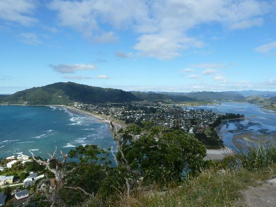 Kotuku Bach B&B Coromandel: View from Puku Hill Tairu  Quite a climb but worth it for 360 degree View