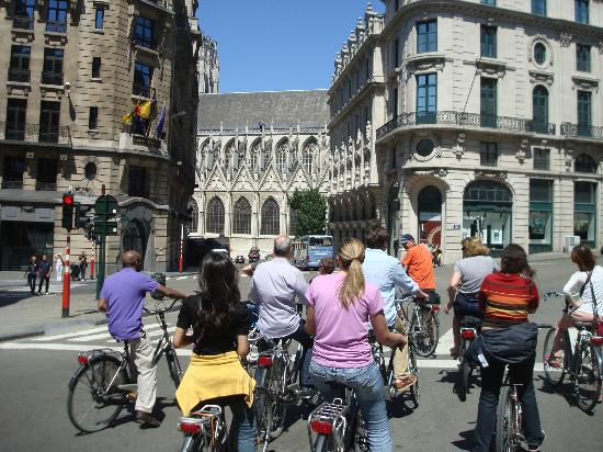 Groovy Brussels : Regrouping for the ride home