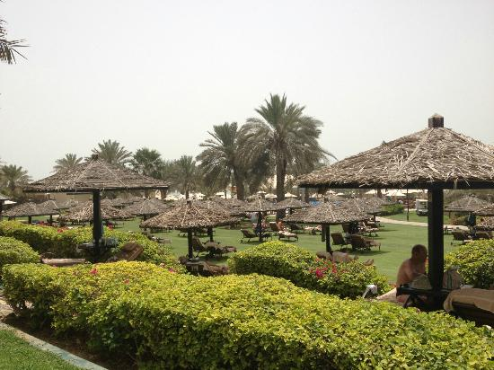 Le Royal Meridien Beach Resort & Spa: Some of the sunbeds in the grounds