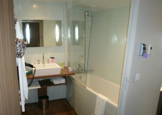 Relais de la Malmaison Paris Rueil Hotel & Spa : Bad