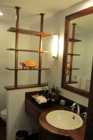 Victoria Angkor Resort & Spa: Bathroom