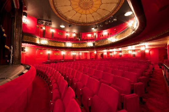Th tre des nouveaut s paris 2018 ce qu 39 il faut savoir - Plan salle theatre porte saint martin ...
