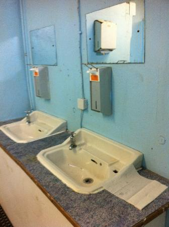 Waterford & Tramore Racecourse: Toliet Facilities are terrible.