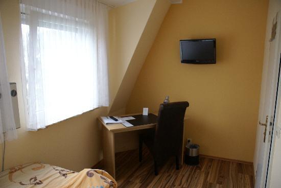 Hotel Sonnenhof: Einzelzimmer neu in 2012