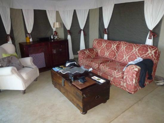 The Elephant Camp : salon chambre n°5