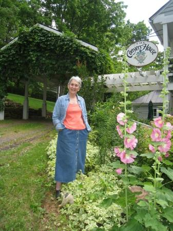 The Conyers House Country Inn & Stable : Sandra, owner of Conyer's House Inn and Stable, Sperryville, Va.