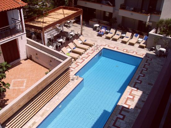 Bourtzi Boutique Hotel: Pool from 702