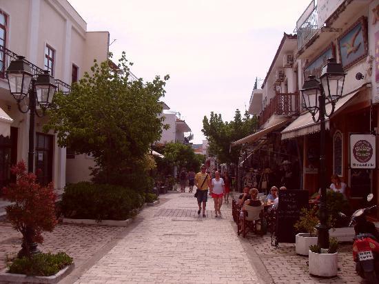 Bourtzi Boutique Hotel: Skiathos town