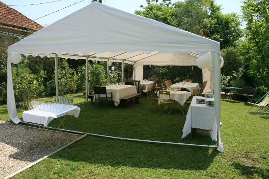 Les Cypres: Interior of the tent and garden