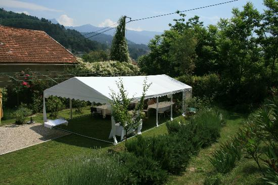 Les Cypres: Outside of tent and garden
