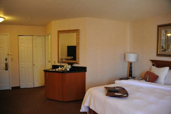 Hampton Inn & Suites Salt Lake City Airport: chambre