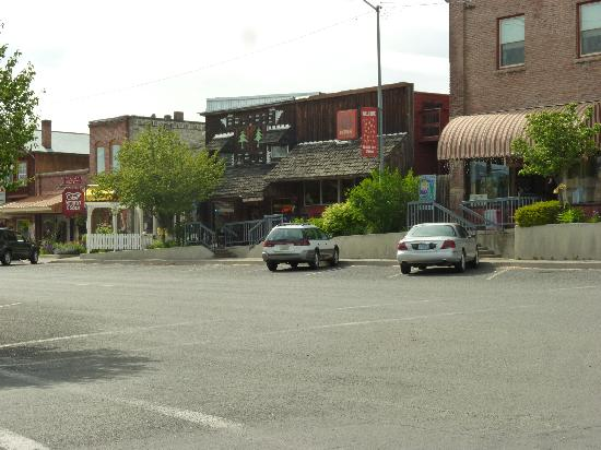 Oxbow Restaurant & Saloon: The view from the street of The Oxbow Saloon