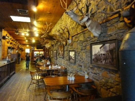 Oxbow Restaurant & Saloon: Stuffed goodness on the walls