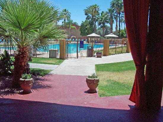 Hotel Tucson City Center Conference Suite Resort: Gorgeous pool and grounds