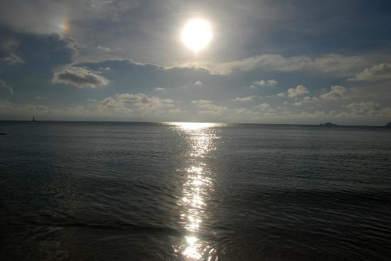 Shari-La Island Resort : sun set of coral bay