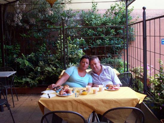 Astoria Hotel Bologna: jardines del hotel