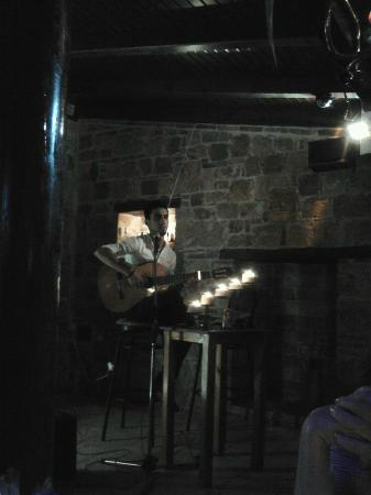 Yemenli Restaurant: Talented singer