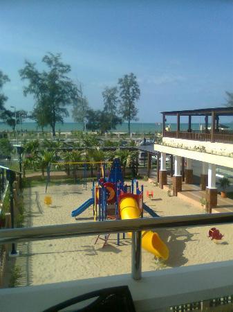 Tok Aman Bali Beach Resort: View of South China Sea.