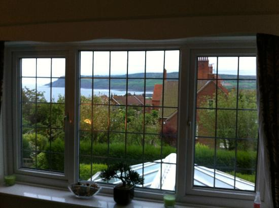 Thackwood B&B: sea view from window