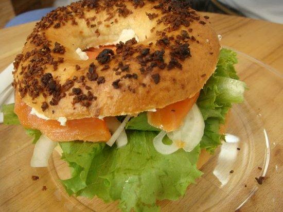 Vego Salad Bar: bagel