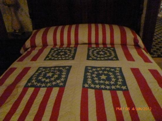 Benjamin Harrison Presidential Site: Lovely handmade quilt